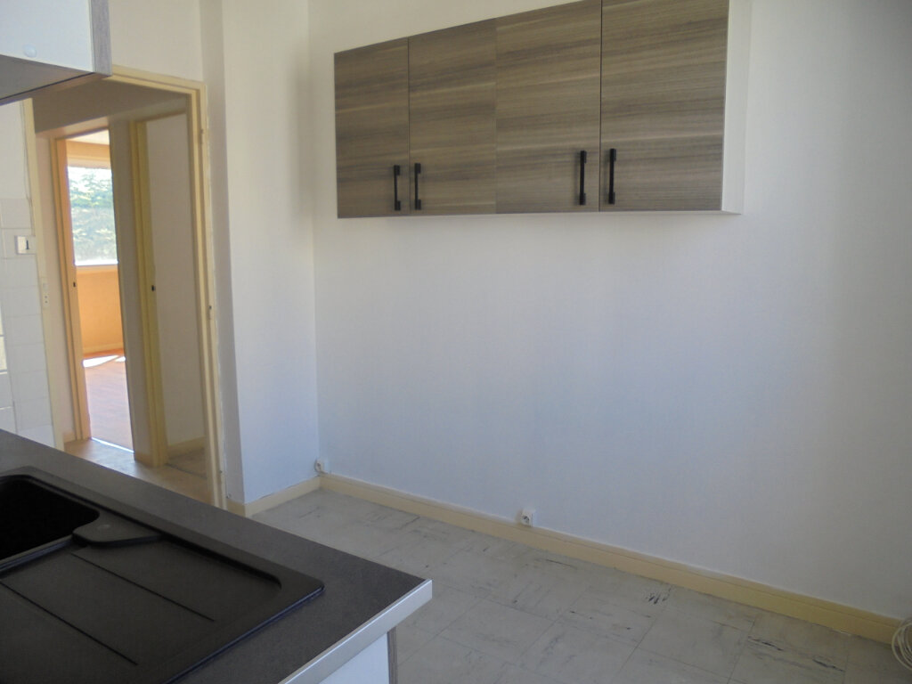 Appartement à louer 3 57.85m2 à Noyon vignette-3