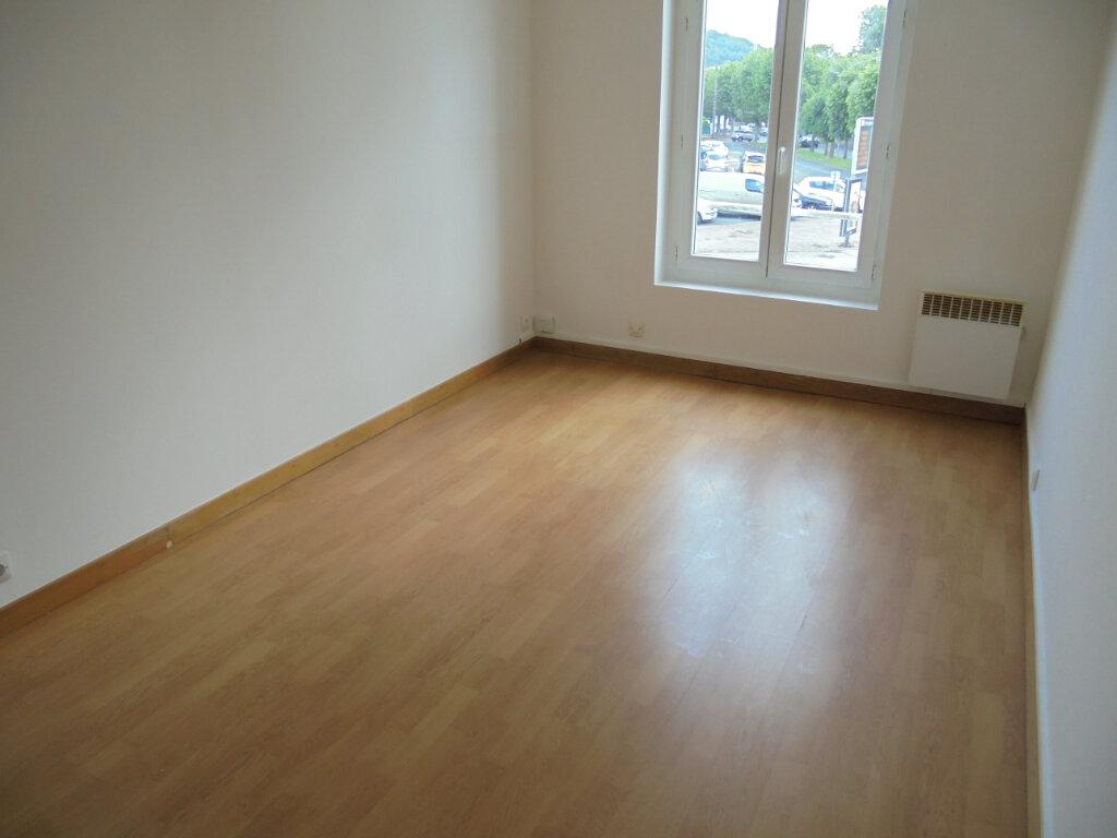 Appartement à louer 3 58.88m2 à Noyon vignette-4