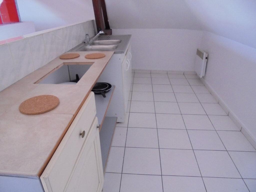 Appartement à louer 2 28.4m2 à Noyon vignette-2