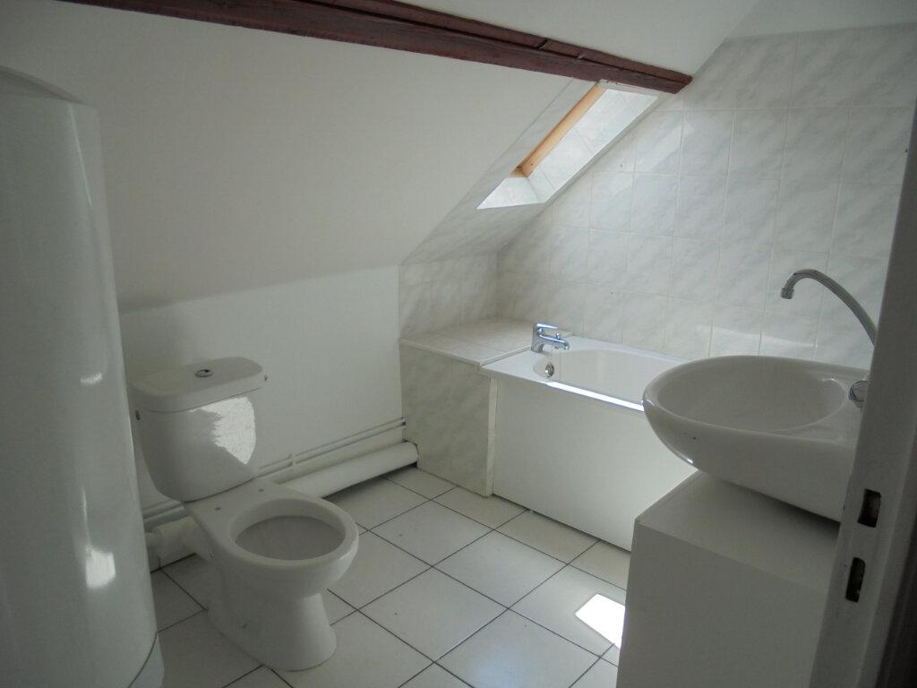 Appartement à louer 2 28.4m2 à Noyon vignette-3