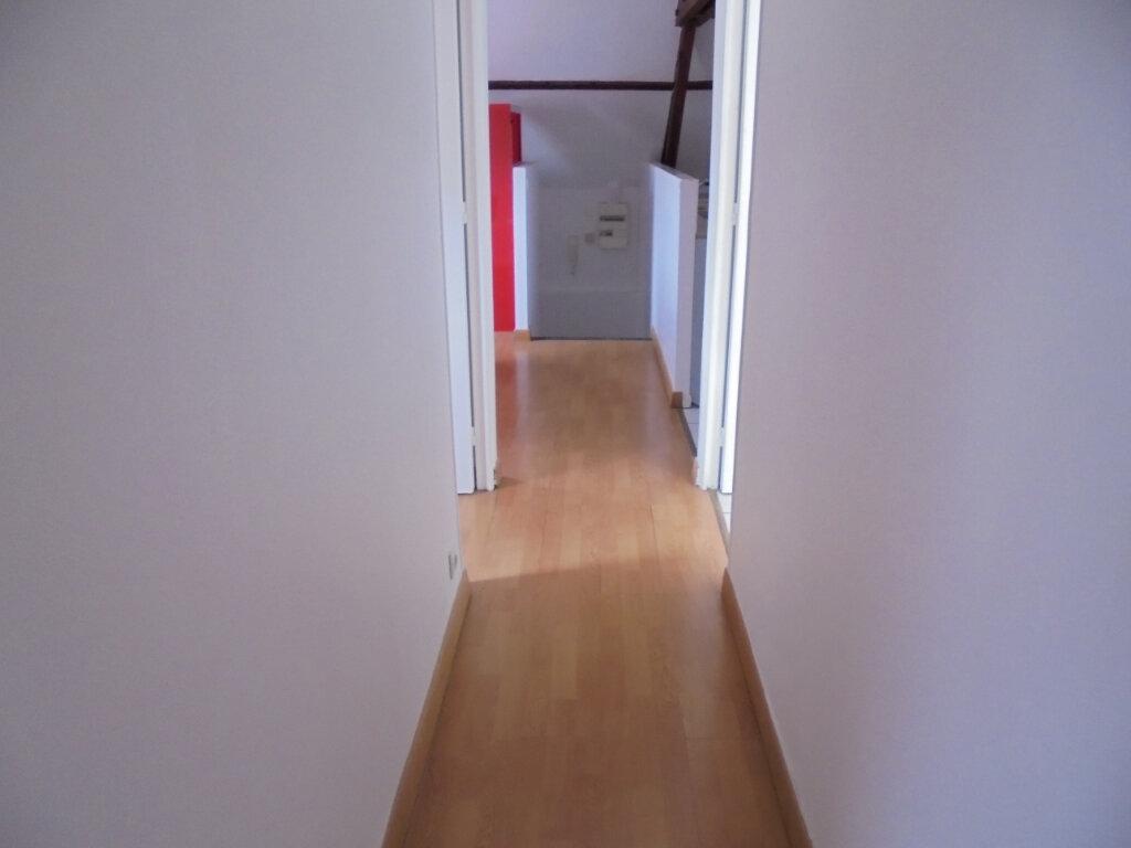 Appartement à louer 2 28.4m2 à Noyon vignette-5