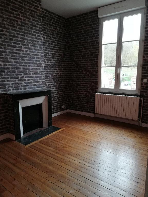 Appartement à louer 4 115m2 à Suzoy vignette-2