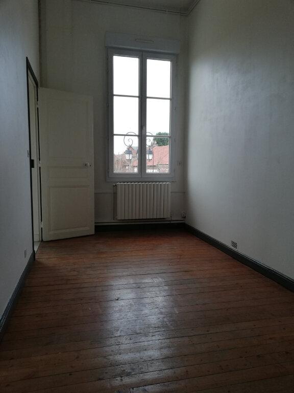 Appartement à louer 4 115m2 à Suzoy vignette-4