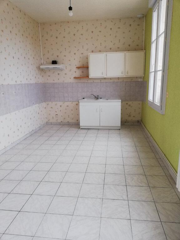 Appartement à louer 4 115m2 à Suzoy vignette-5