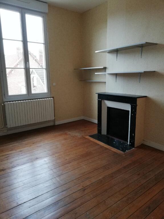 Appartement à louer 4 115m2 à Suzoy vignette-7