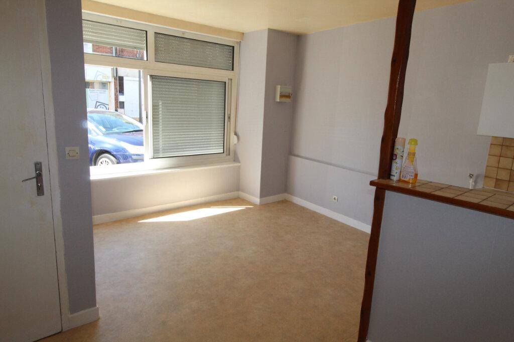 Appartement à louer 2 32m2 à Ham vignette-2