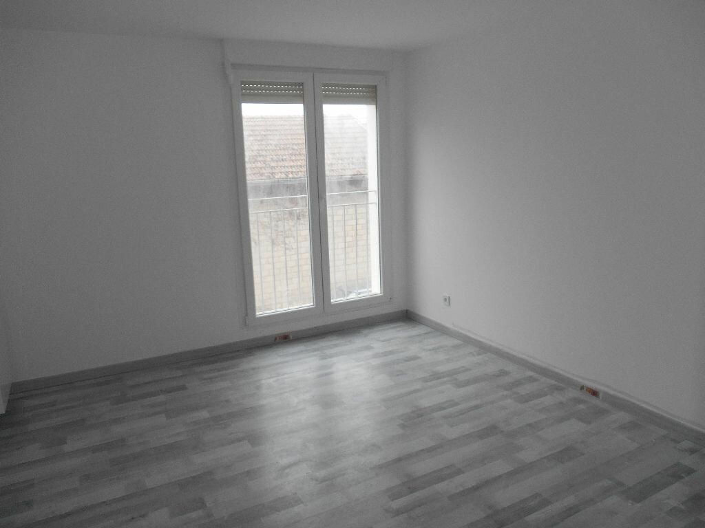 Appartement à louer 2 49.1m2 à Épernay vignette-1