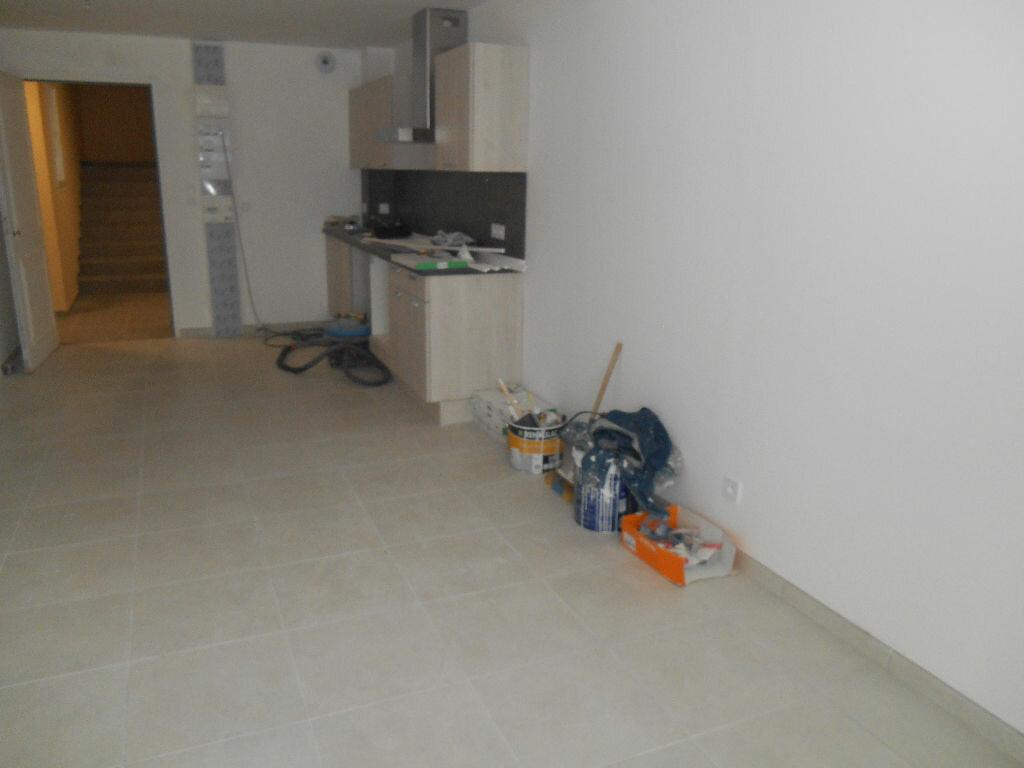 Appartement à louer 2 49.1m2 à Épernay vignette-3