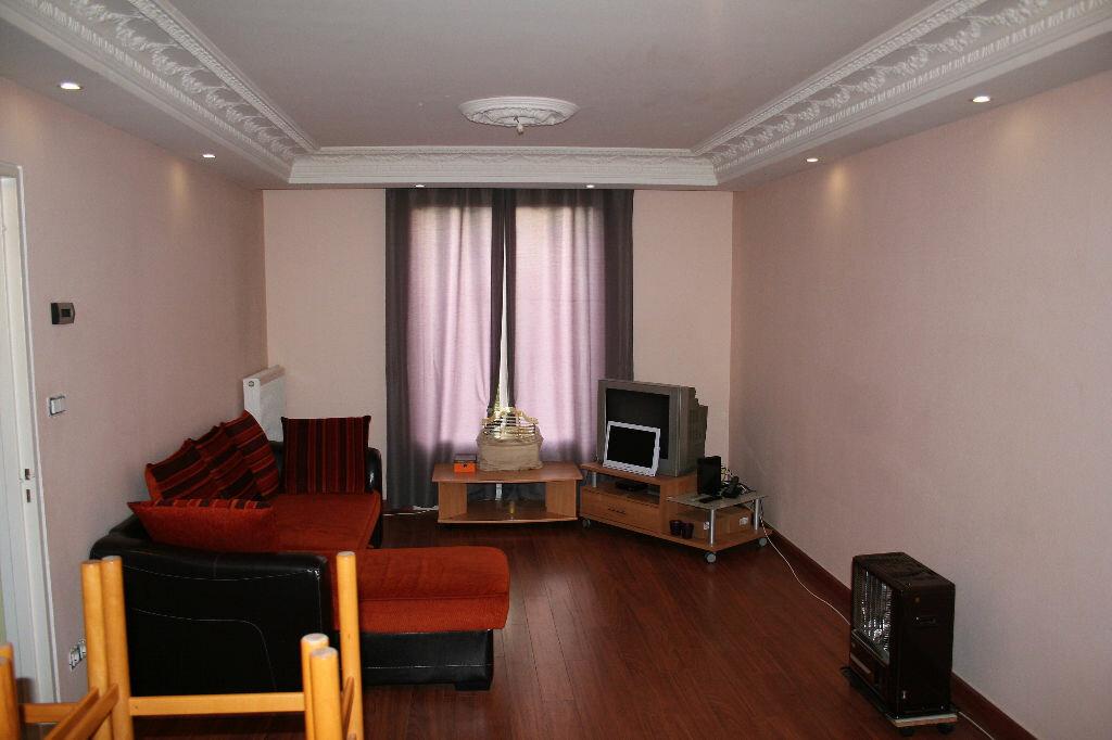 Appartement à louer 5 90m2 à Reims vignette-4