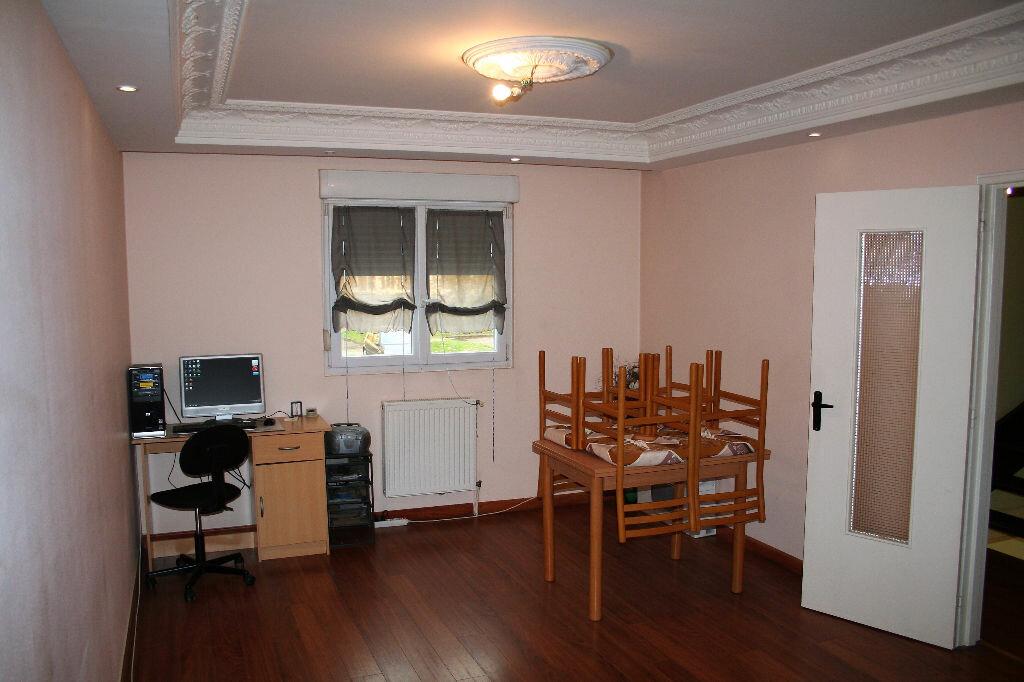 Appartement à louer 5 90m2 à Reims vignette-5