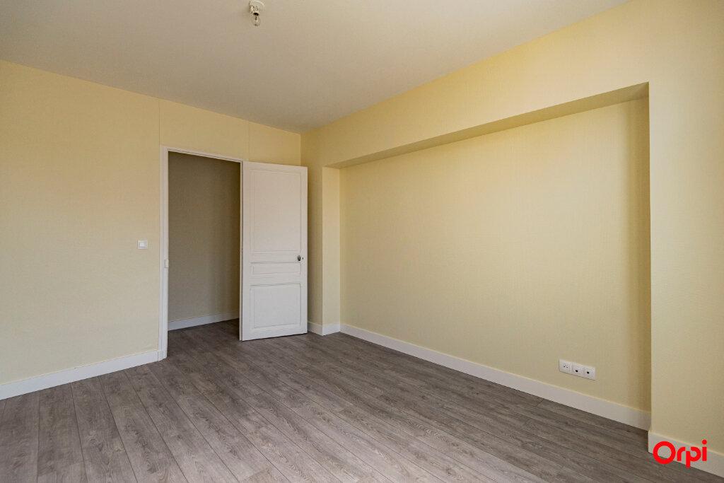 Appartement à louer 3 56m2 à Reims vignette-4