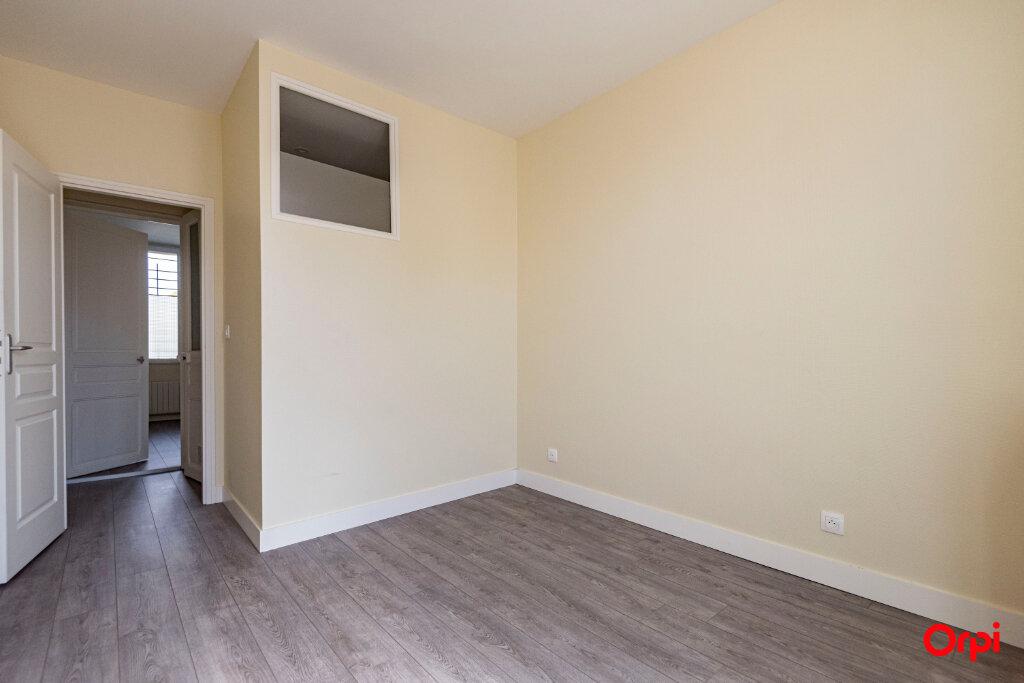 Appartement à louer 3 56m2 à Reims vignette-6