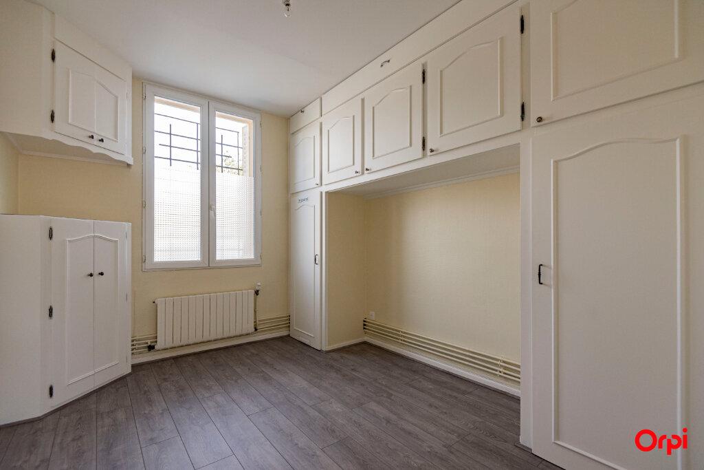 Appartement à louer 3 56m2 à Reims vignette-7