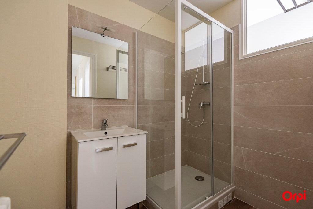 Appartement à louer 3 56m2 à Reims vignette-8