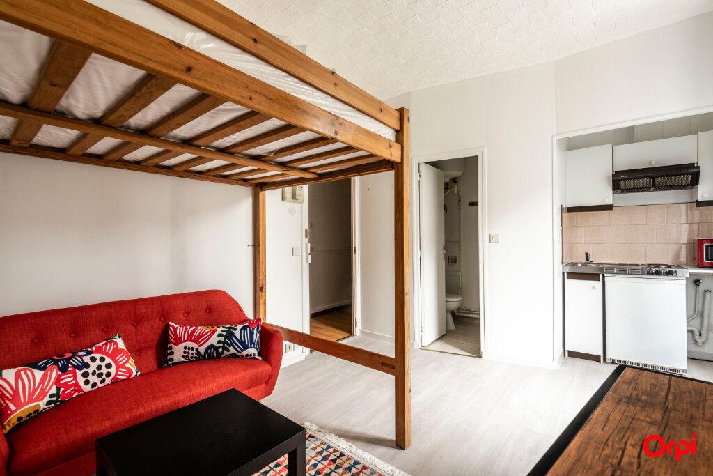 Appartement à louer 1 15.3m2 à Reims vignette-1