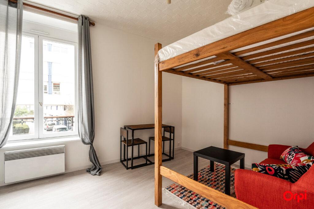 Appartement à louer 1 15.3m2 à Reims vignette-3