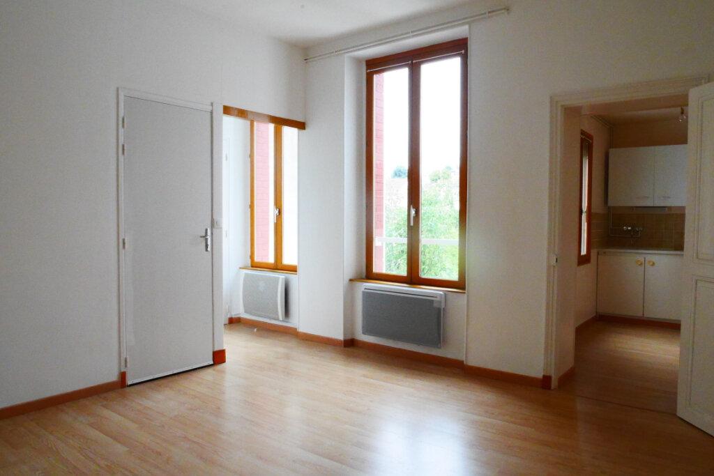Appartement à louer 2 46m2 à Épernay vignette-1