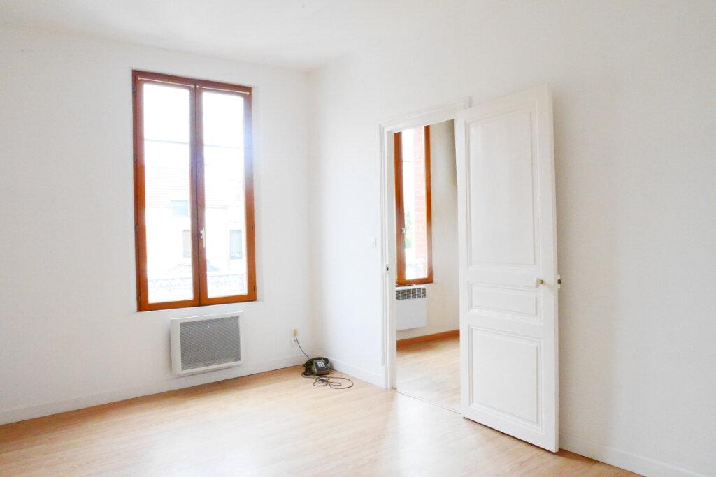 Appartement à louer 2 46m2 à Épernay vignette-4