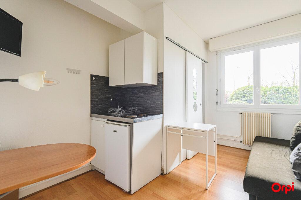 Appartement à louer 1 13m2 à Reims vignette-2