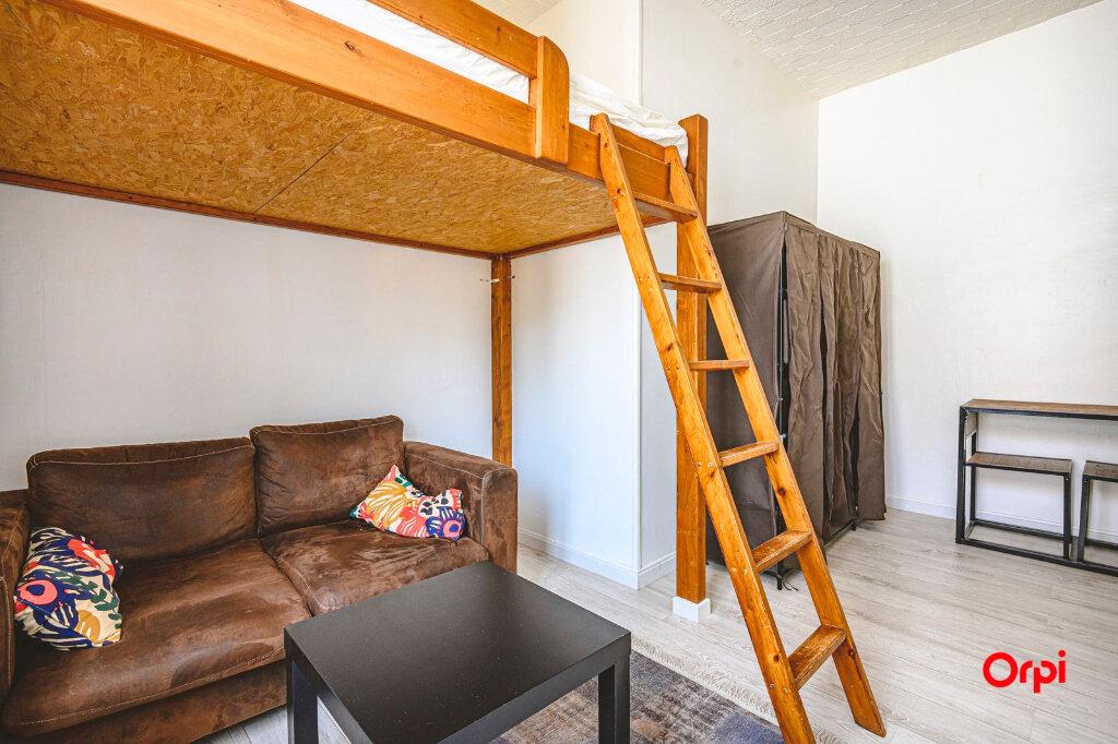Appartement à louer 1 15.71m2 à Reims vignette-1