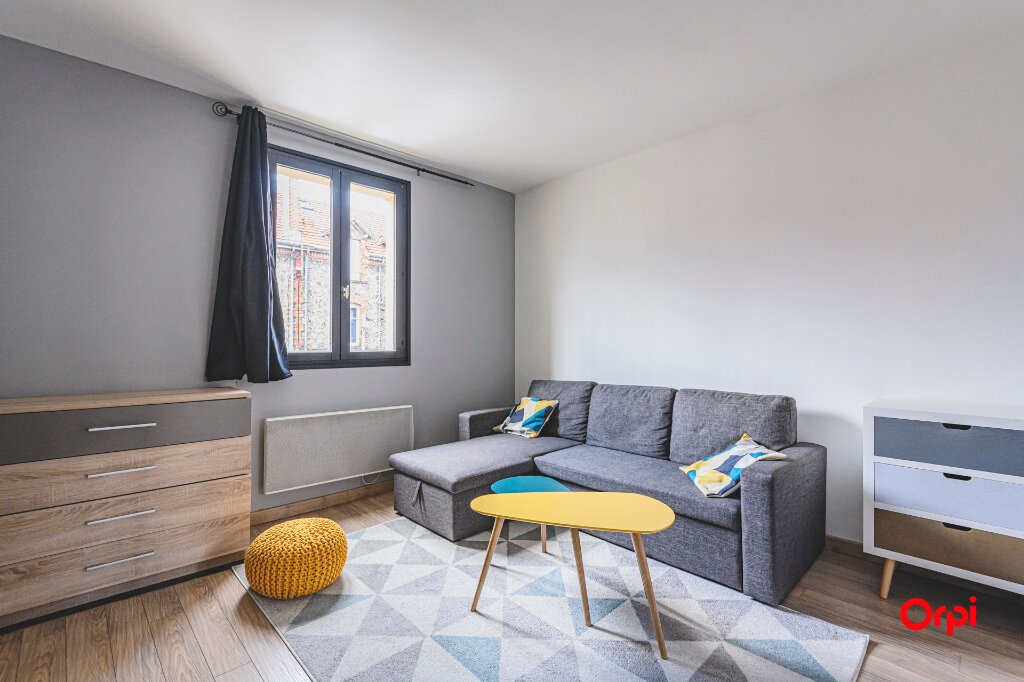Appartement à louer 1 32m2 à Reims vignette-1