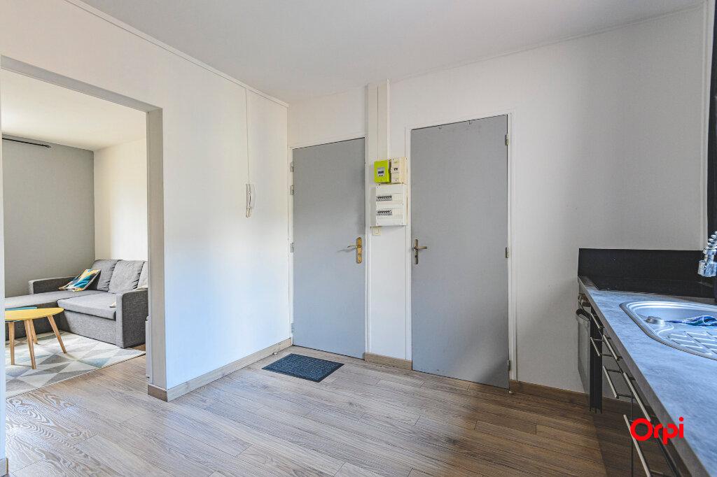 Appartement à louer 1 32m2 à Reims vignette-4