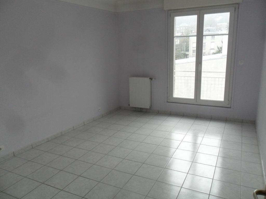 Appartement à louer 4 89m2 à Laon vignette-2