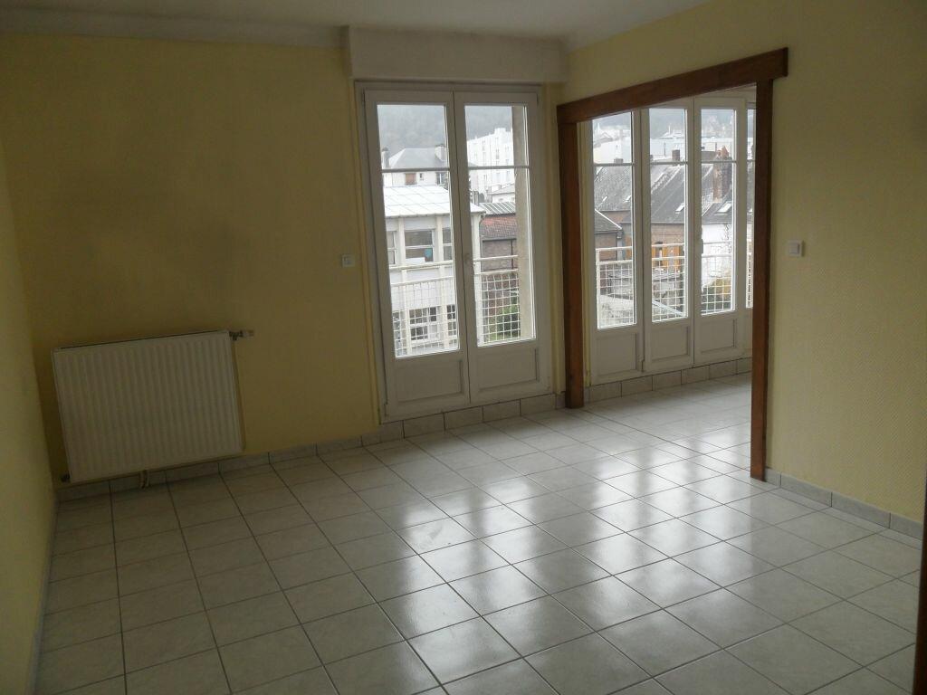 Appartement à louer 4 89m2 à Laon vignette-4