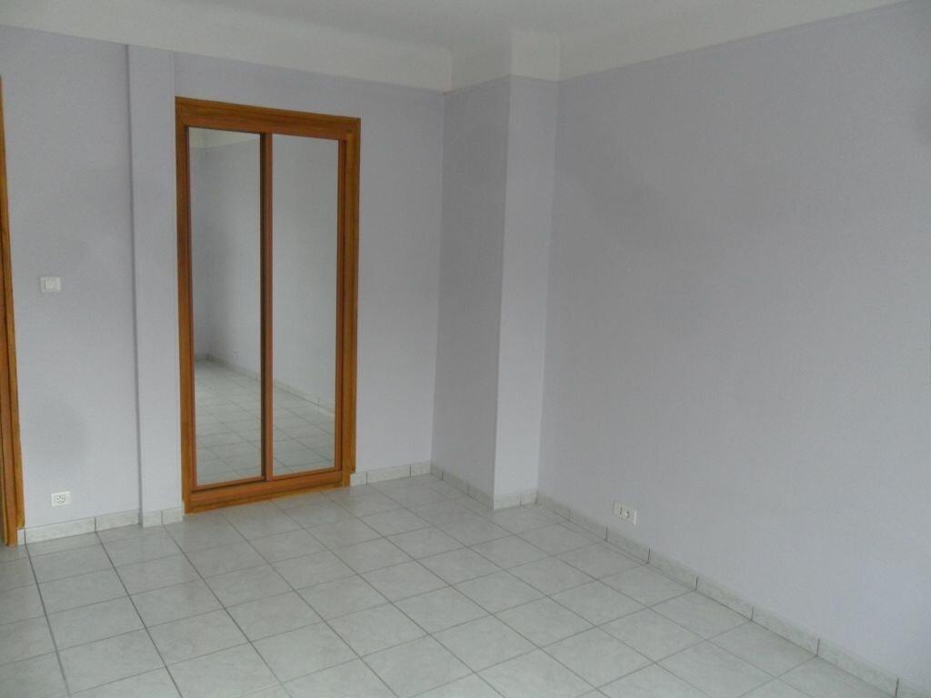 Appartement à louer 4 89m2 à Laon vignette-5