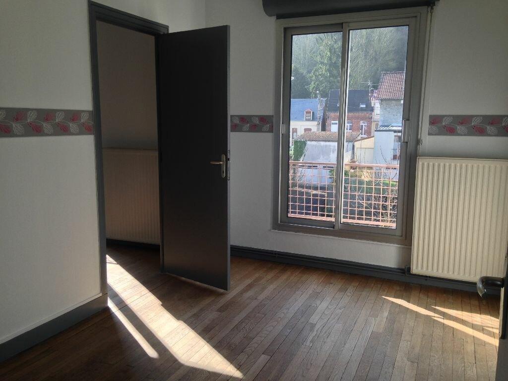 Appartement à louer 4 96m2 à Laon vignette-1
