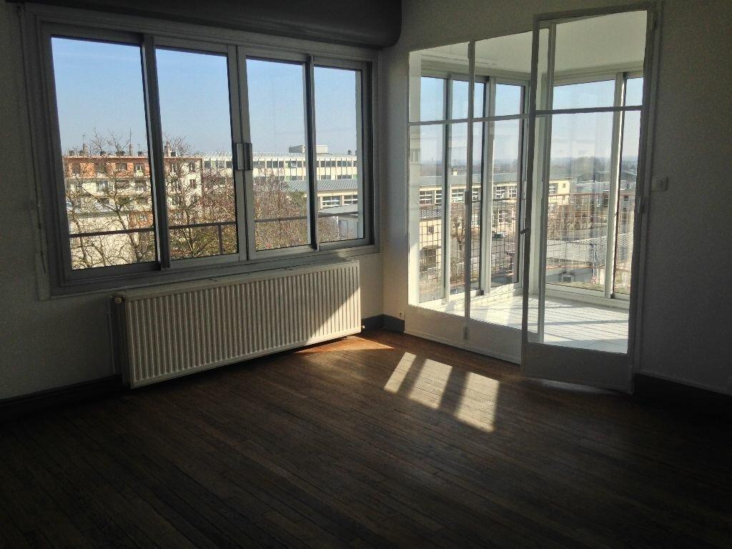 Appartement à louer 4 96m2 à Laon vignette-2