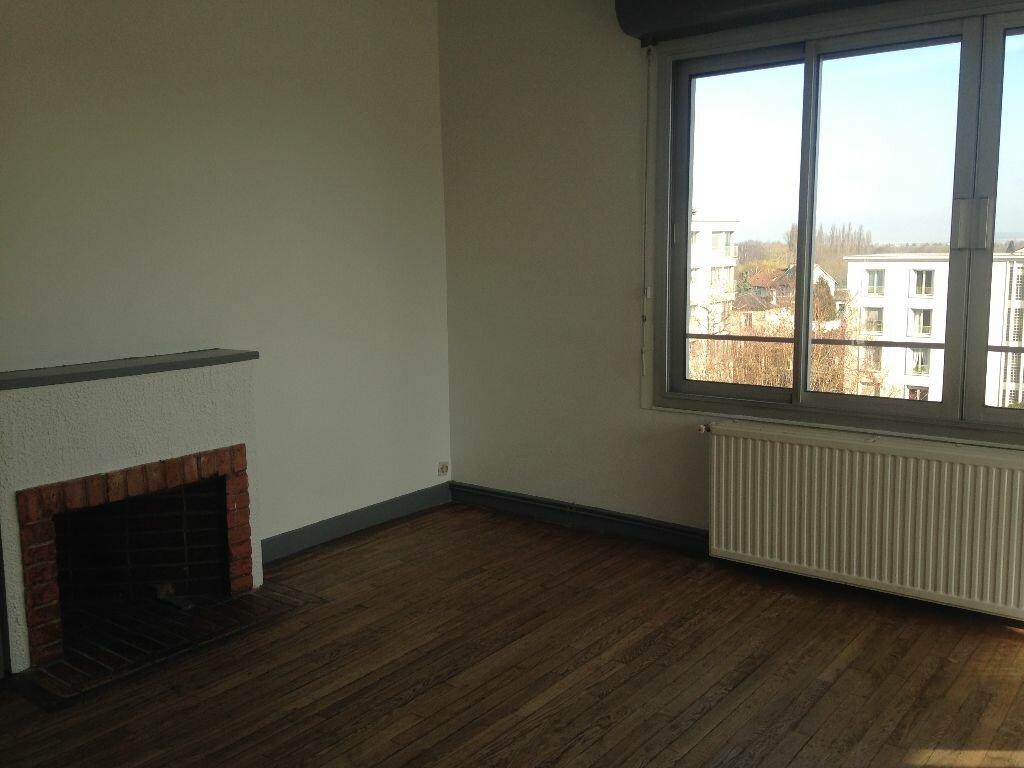 Appartement à louer 4 96m2 à Laon vignette-3