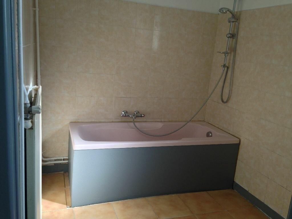 Appartement à louer 4 96m2 à Laon vignette-6