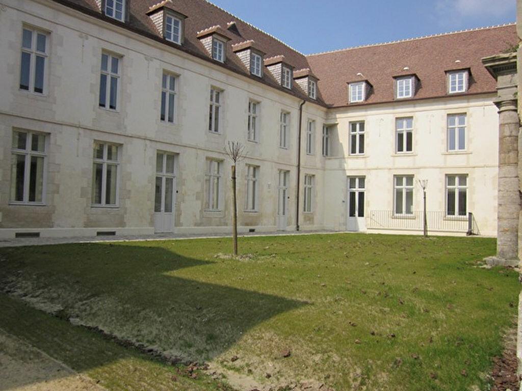 Appartement à louer 3 63m2 à Laon vignette-1