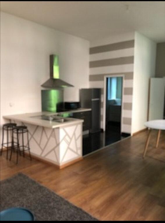 Appartement à louer 2 63m2 à La Fère vignette-5