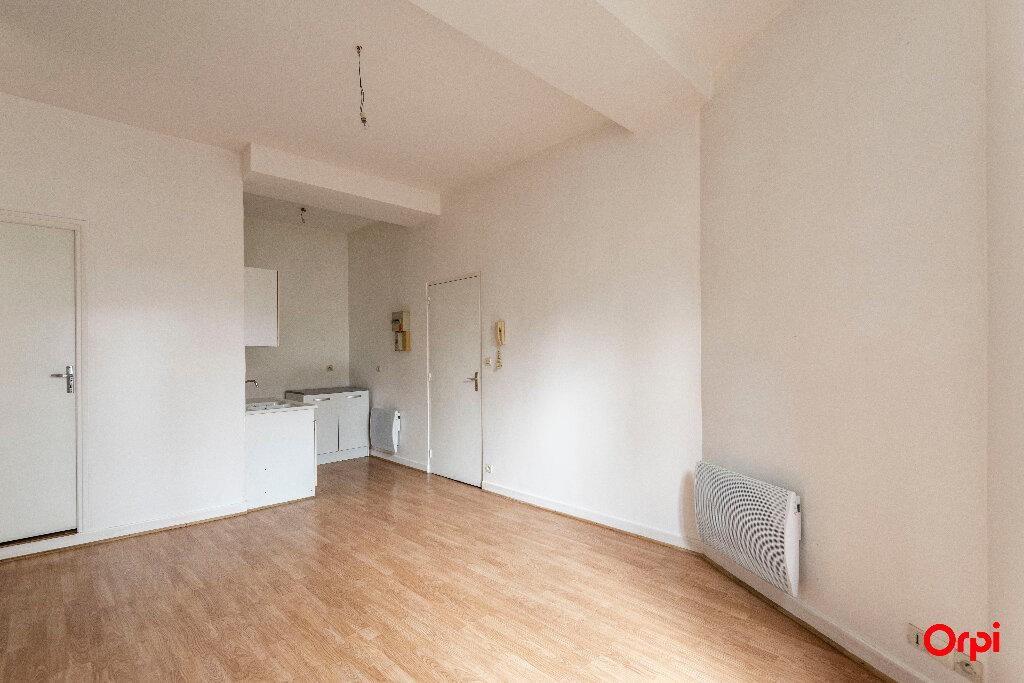 Appartement à louer 1 23m2 à Laon vignette-3