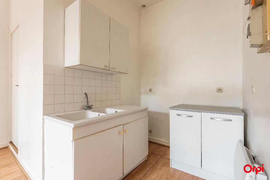 Appartement à louer 1 23m2 à Laon vignette-5