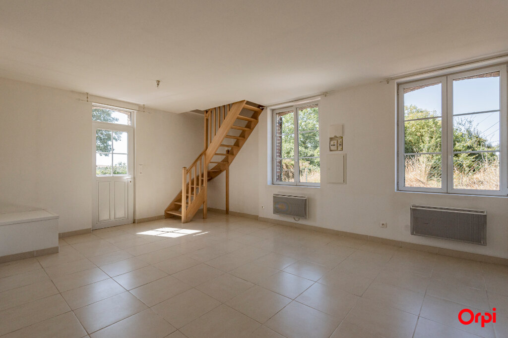 Maison à louer 3 60m2 à La Ferté-Chevresis vignette-2