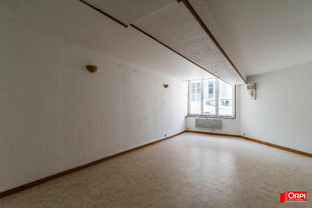 Appartement à louer 2 28m2 à Laon vignette-4