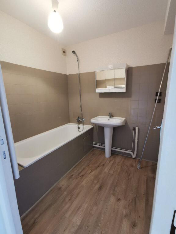 Appartement à louer 3 55m2 à Guérande vignette-7