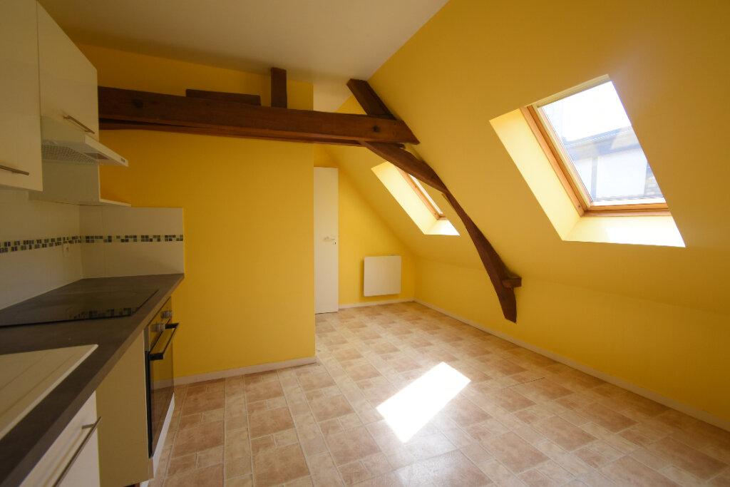 Appartement à louer 3 56m2 à Arras vignette-2