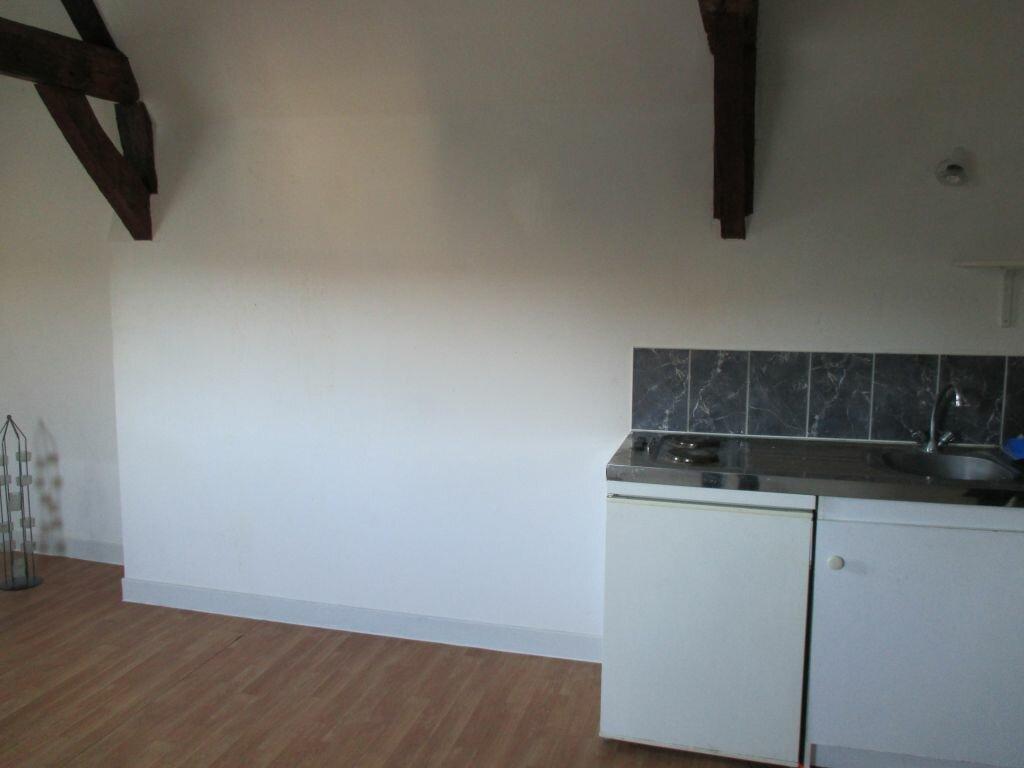 Appartement à louer 1 17m2 à Arras vignette-2