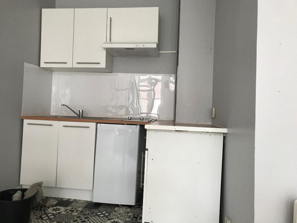 Appartement à louer 2 38.3m2 à Arras vignette-1
