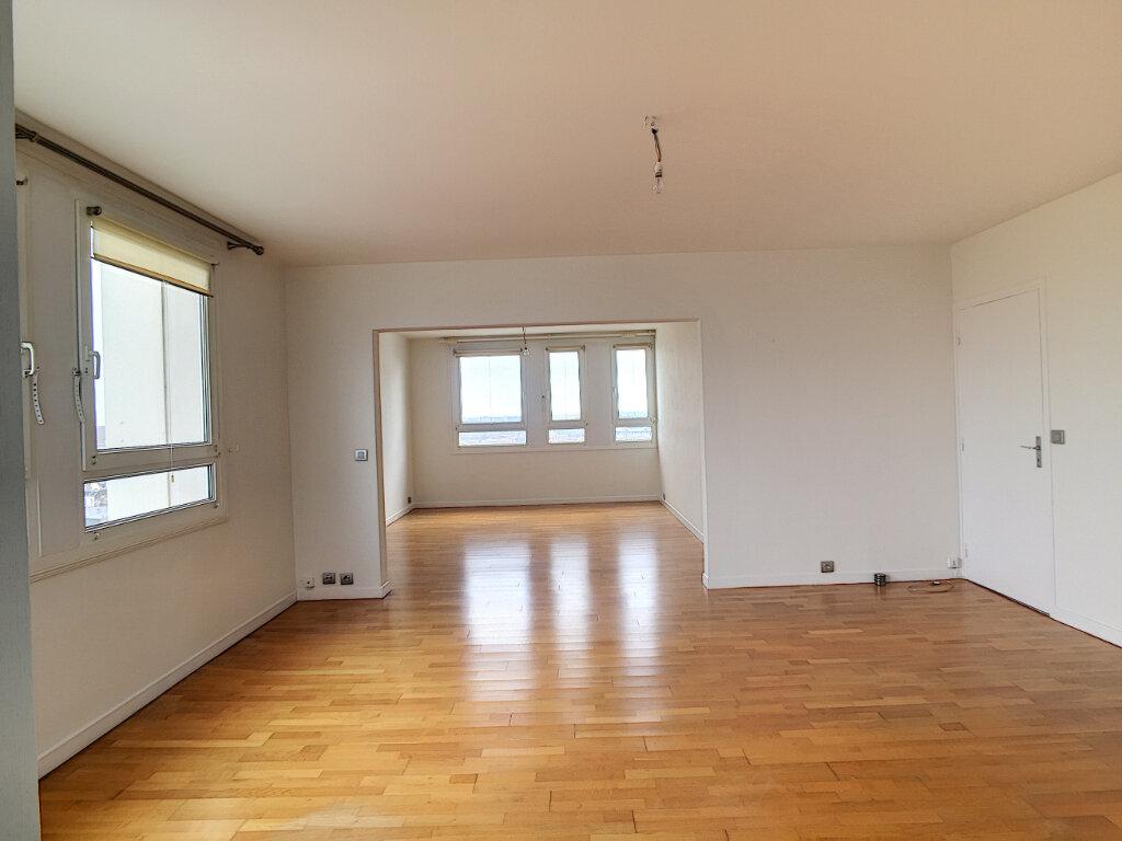 Appartement à louer 3 79.43m2 à Arras vignette-2