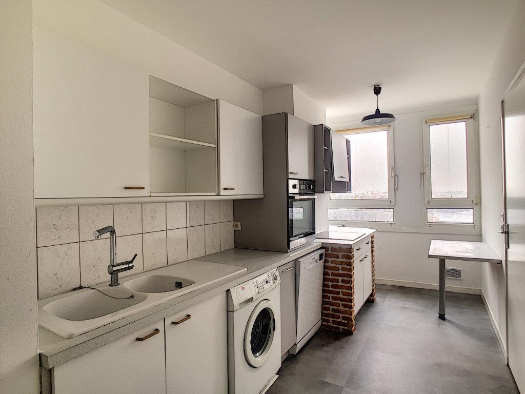 Appartement à louer 3 79.43m2 à Arras vignette-4
