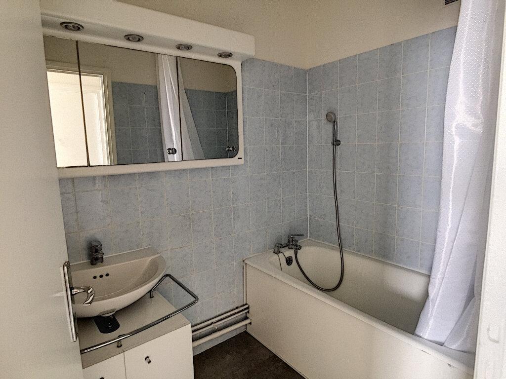 Appartement à louer 3 79.43m2 à Arras vignette-13