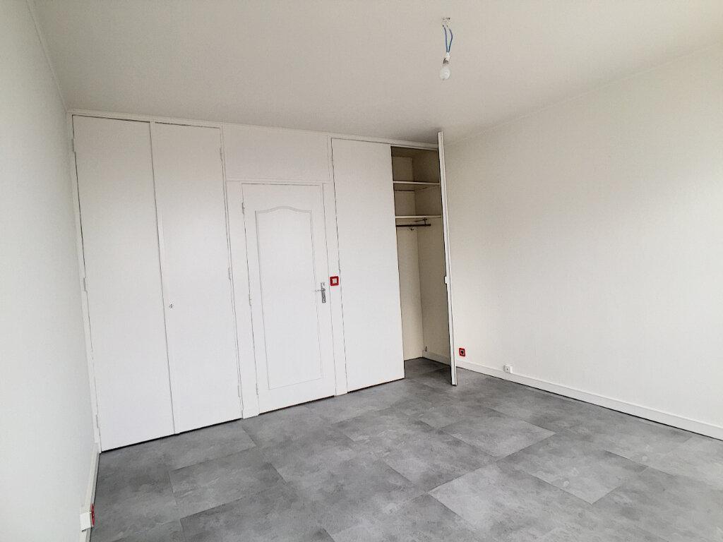 Appartement à louer 3 79.43m2 à Arras vignette-14