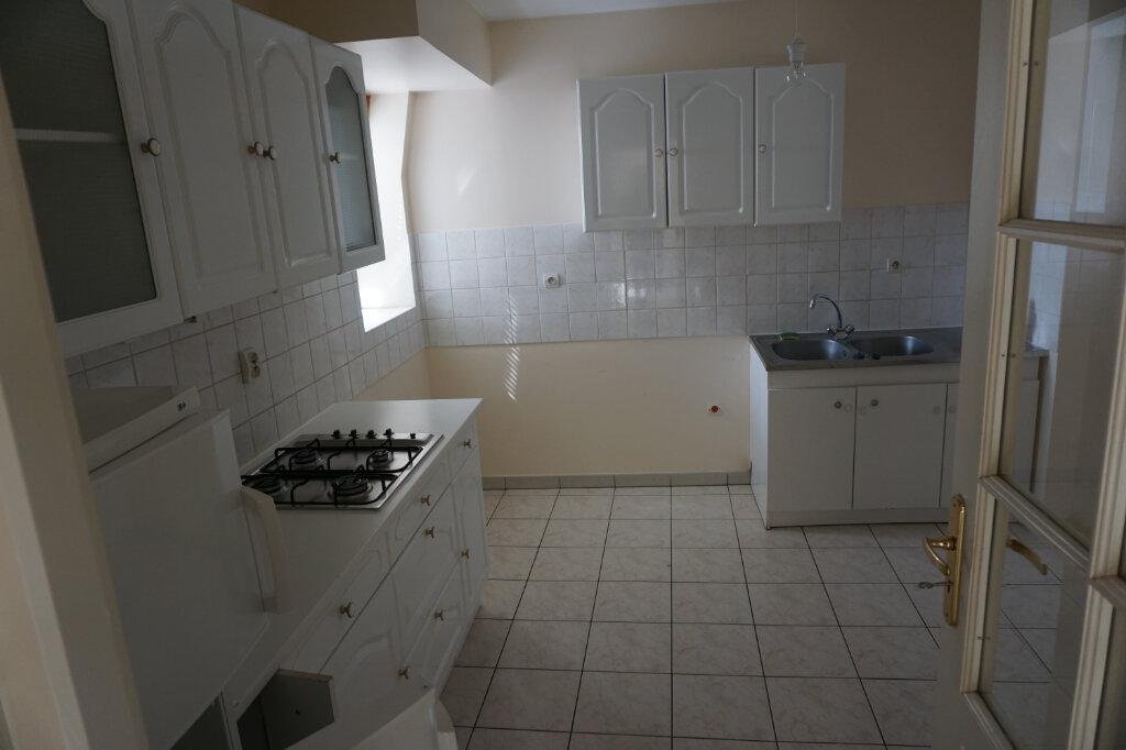 Appartement à louer 4 83m2 à Arras vignette-9