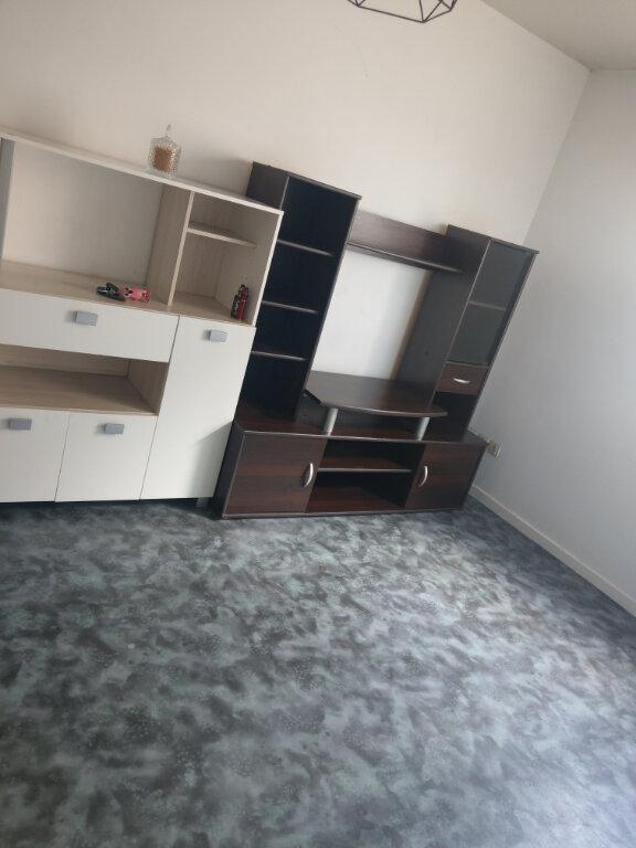 Appartement à louer 1 18m2 à Arras vignette-2