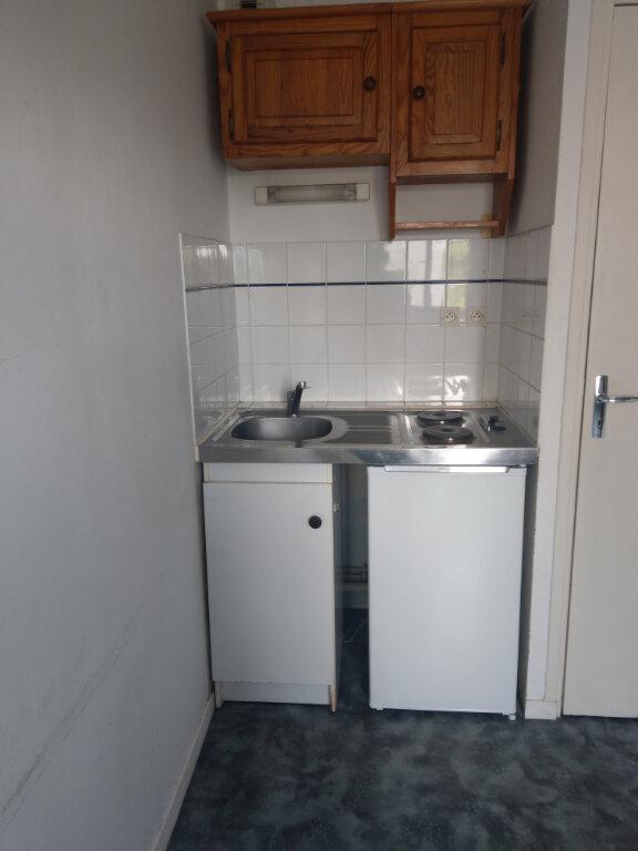 Appartement à louer 1 18m2 à Arras vignette-3